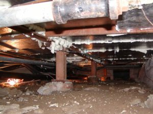Insulated crawl space